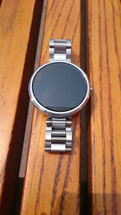 My Motorola Moto 360 With Metal Band
