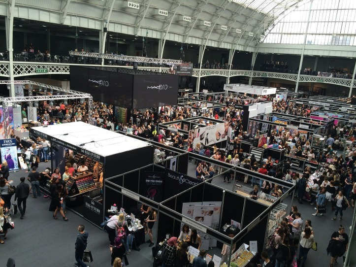 4 Ways To Make Your Next Trade Show Appearance A Hit