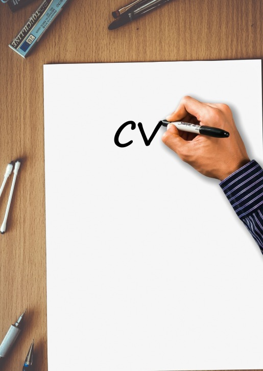 A Reflection of Your Career: 4 Clear Signs Your Resume Needs Updating